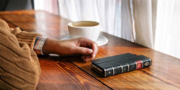 渋いiPhoneケース BookBookがよさげな感じ